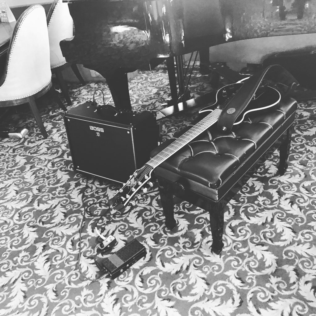 Solo Guitar at Winnipeg Hotel Fort Gary
